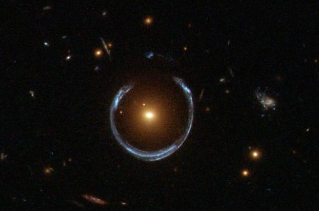 By Lensshoe_hubble.jpg: ESA/Hubble & NASA derivative work: Bulwersator (Lensshoe_hubble.jpg) [Public domain], via Wikimedia Commons