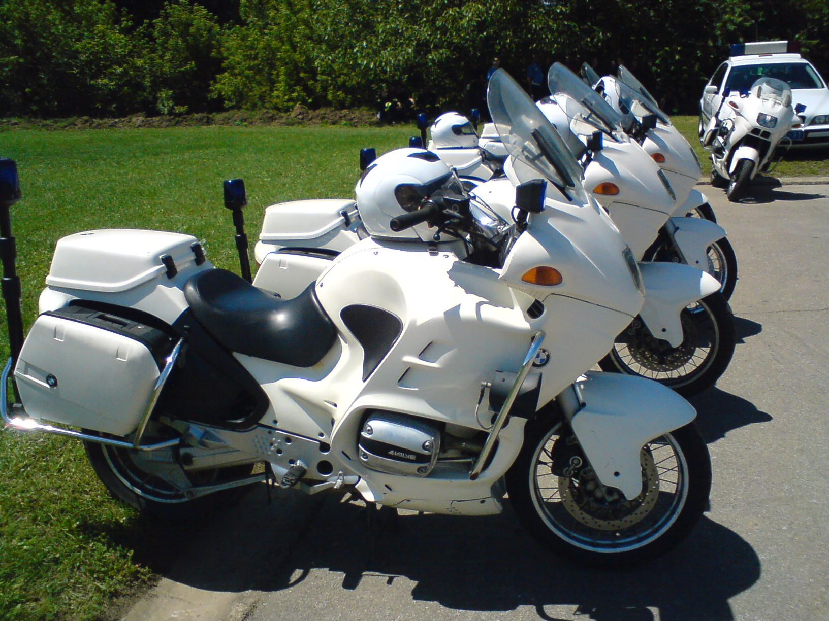 hight resolution of file bmw motorcycles of serbian police jpg