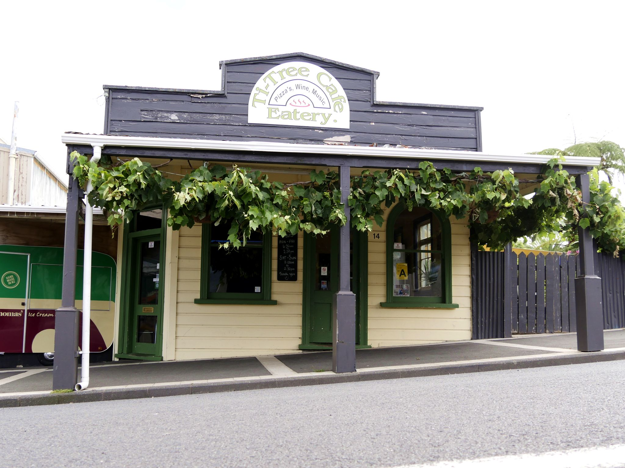 Datei:Martha's Kitchen, Waihi.jpg  Wikipedia