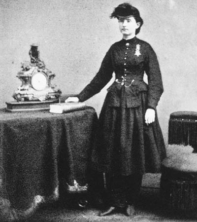 https://i0.wp.com/upload.wikimedia.org/wikipedia/commons/1/11/Mary_E_Walker.jpg