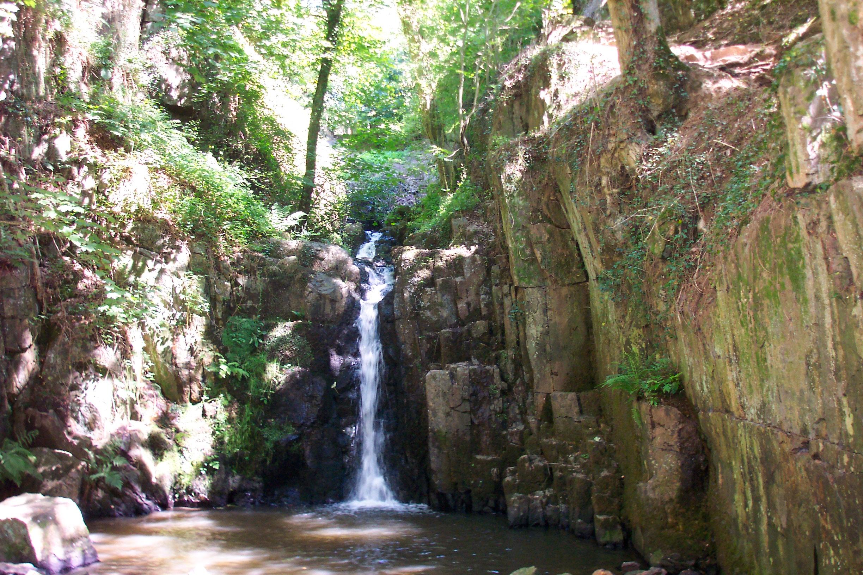 kleiner Wasserfall von mortain, Foto von boblenormand, Lizenz: CC by SA