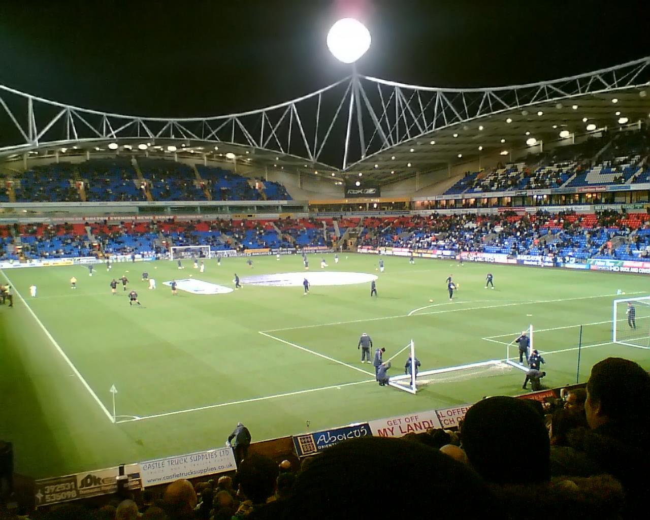 https://i0.wp.com/upload.wikimedia.org/wikipedia/commons/1/11/Reebok_Stadium.jpg
