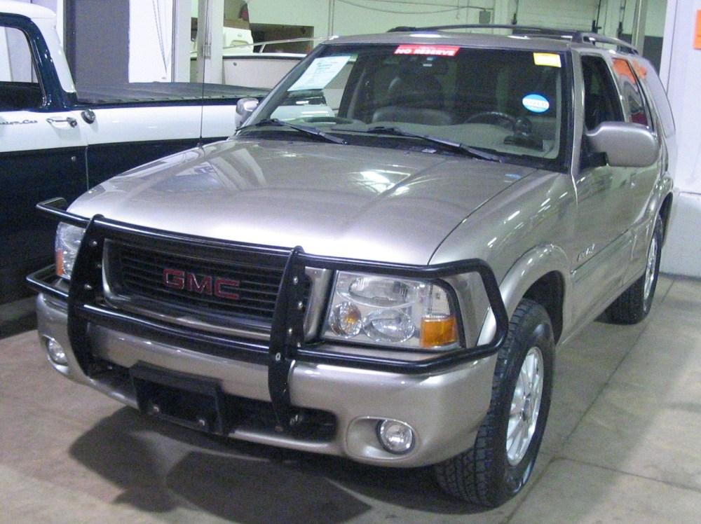 medium resolution of file 00 gmc envoy toronto spring 12 classic car auction jpg