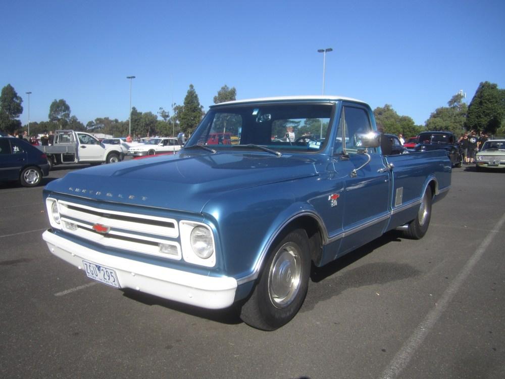 medium resolution of file 1967 chevrolet c20 pickup jpg