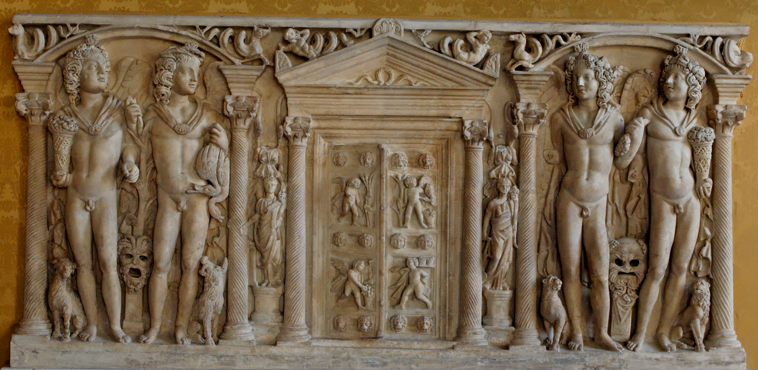 File:Sarcophagus four seasons Musei Capitolini MC1185.jpg - Wikimedia ... Michelangelo Battle Of Cascina