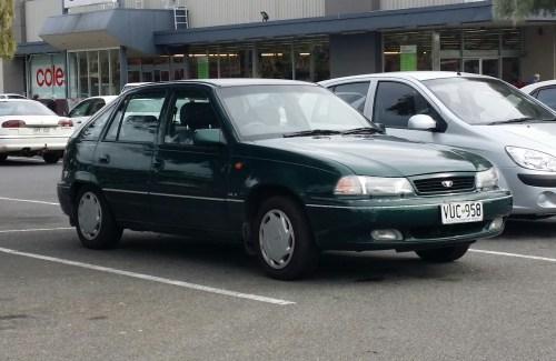 small resolution of file 1995 1997 daewoo cielo glx 5 door hatchback 17611934438