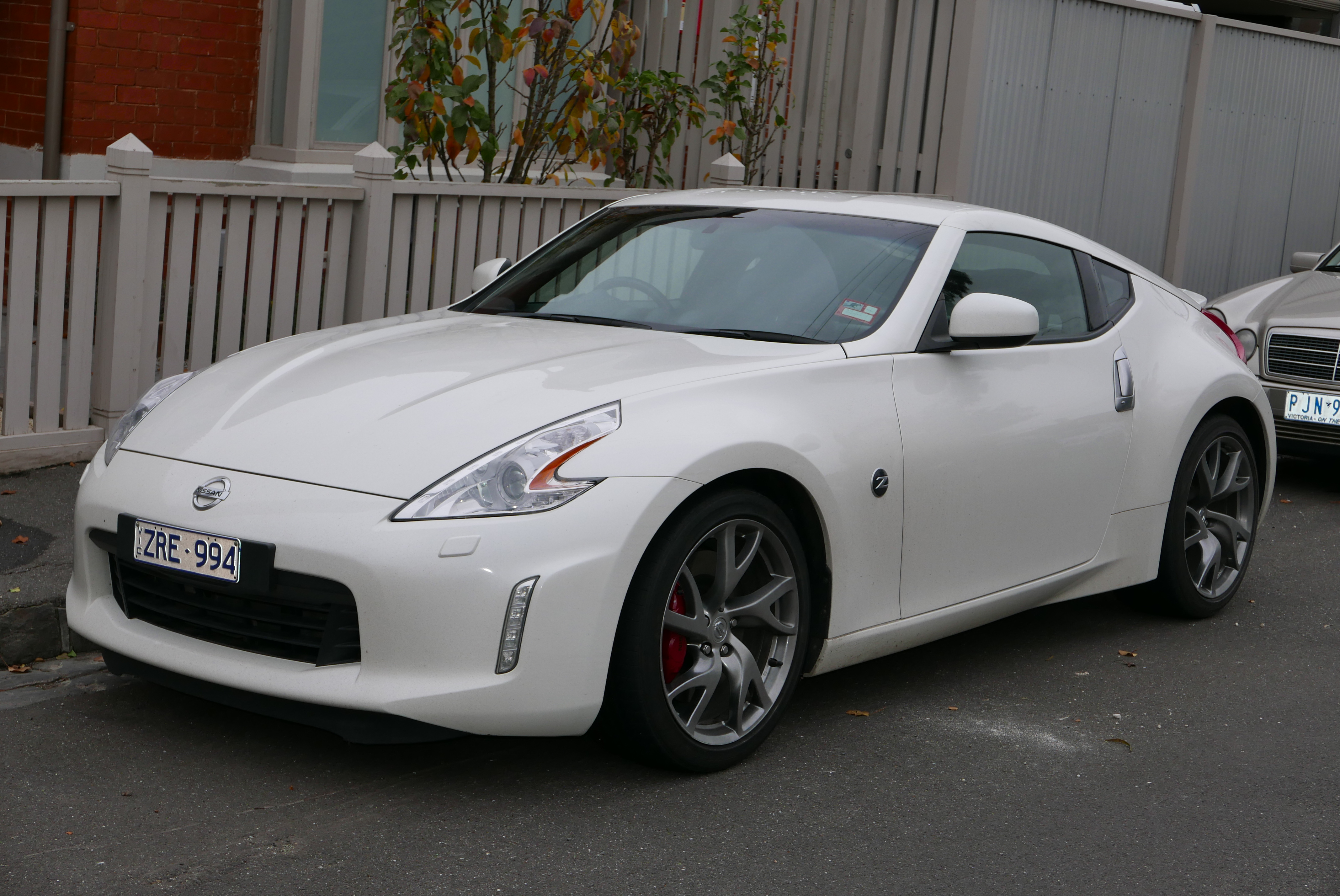 File2013 Nissan 370z (z34 My135) Coupe (20150618) 01