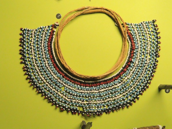 File Beaded Collar Fingo Mount Coke - African Objects In