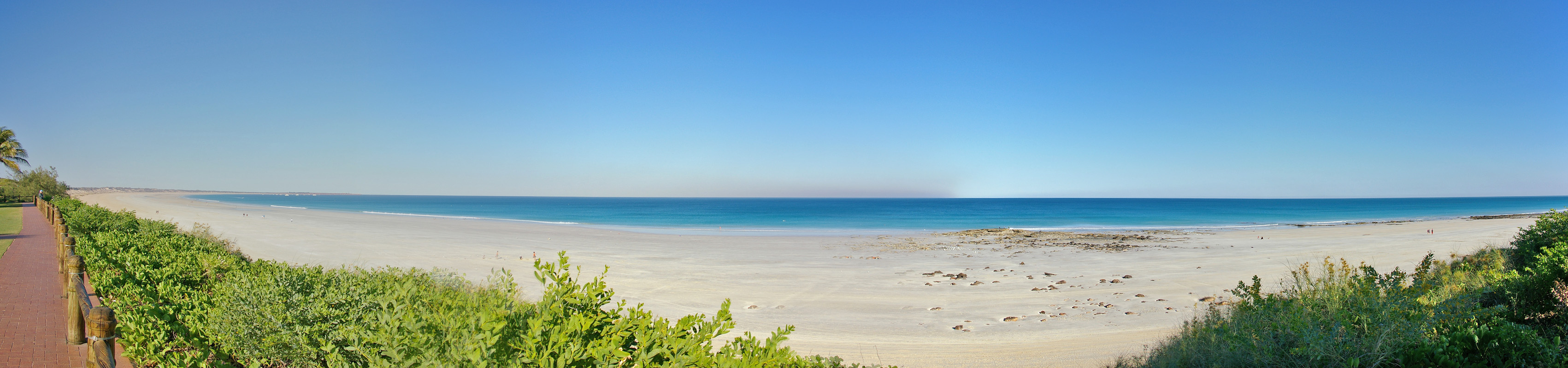 file cable beach panorama