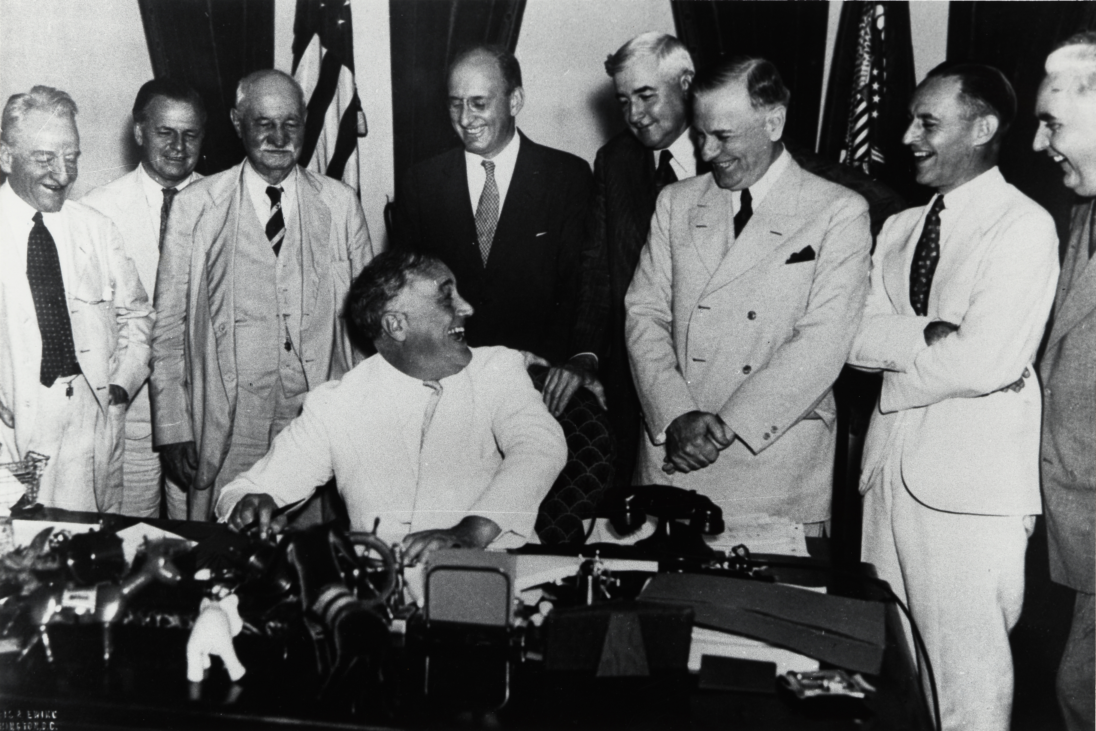 File Franklin Delano Roosevelt Signs Banking Act Of