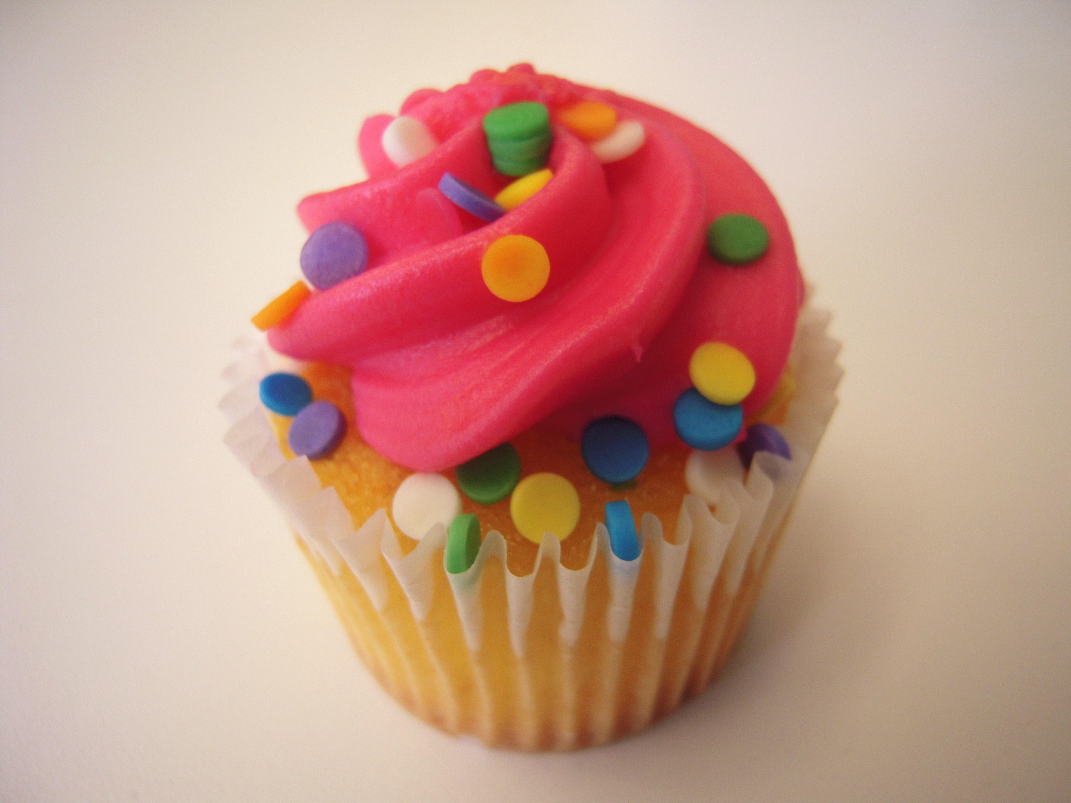 File:Pink Cupcake.jpg