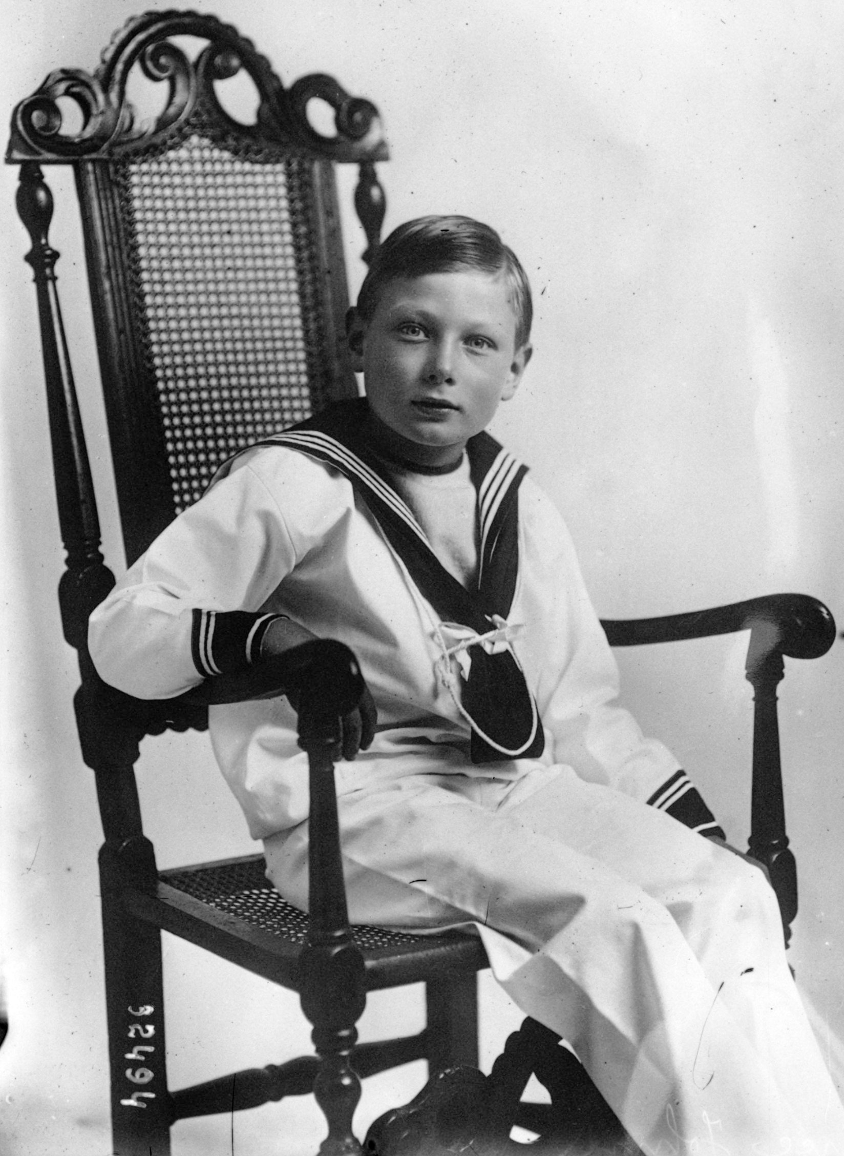 Archivo:Prince John of the United Kingdom 1913.jpg