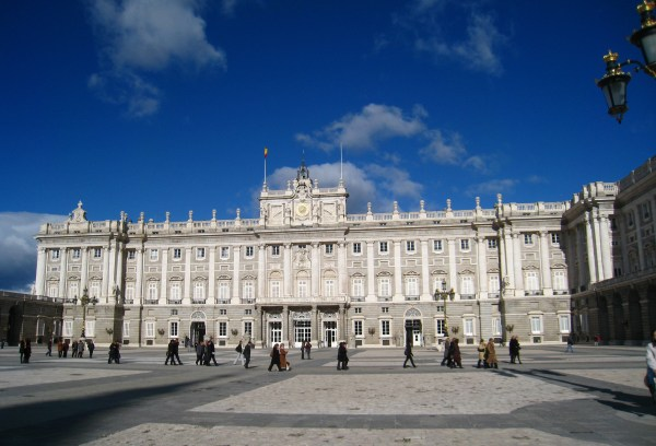 File Exterior Of Royal Palace Madrid General View