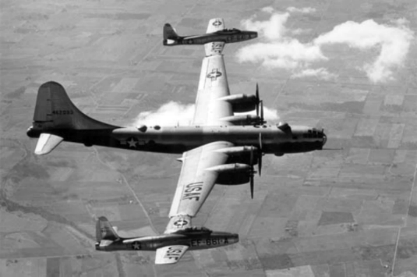 http://upload.wikimedia.org/wikipedia/commons/1/17/Boeing_B-29_TomTom.jpg