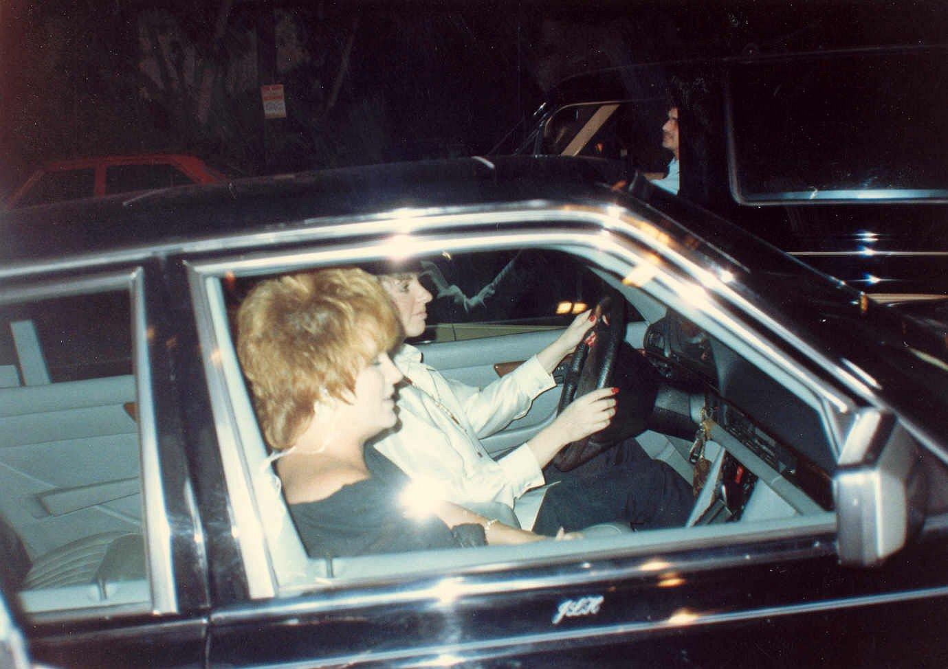 Liza minelli driving