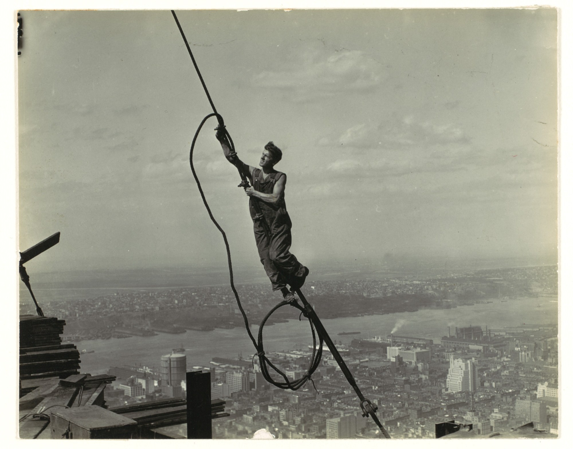 hight resolution of a photograph of a cable worker taken by lewis hine as part of his project