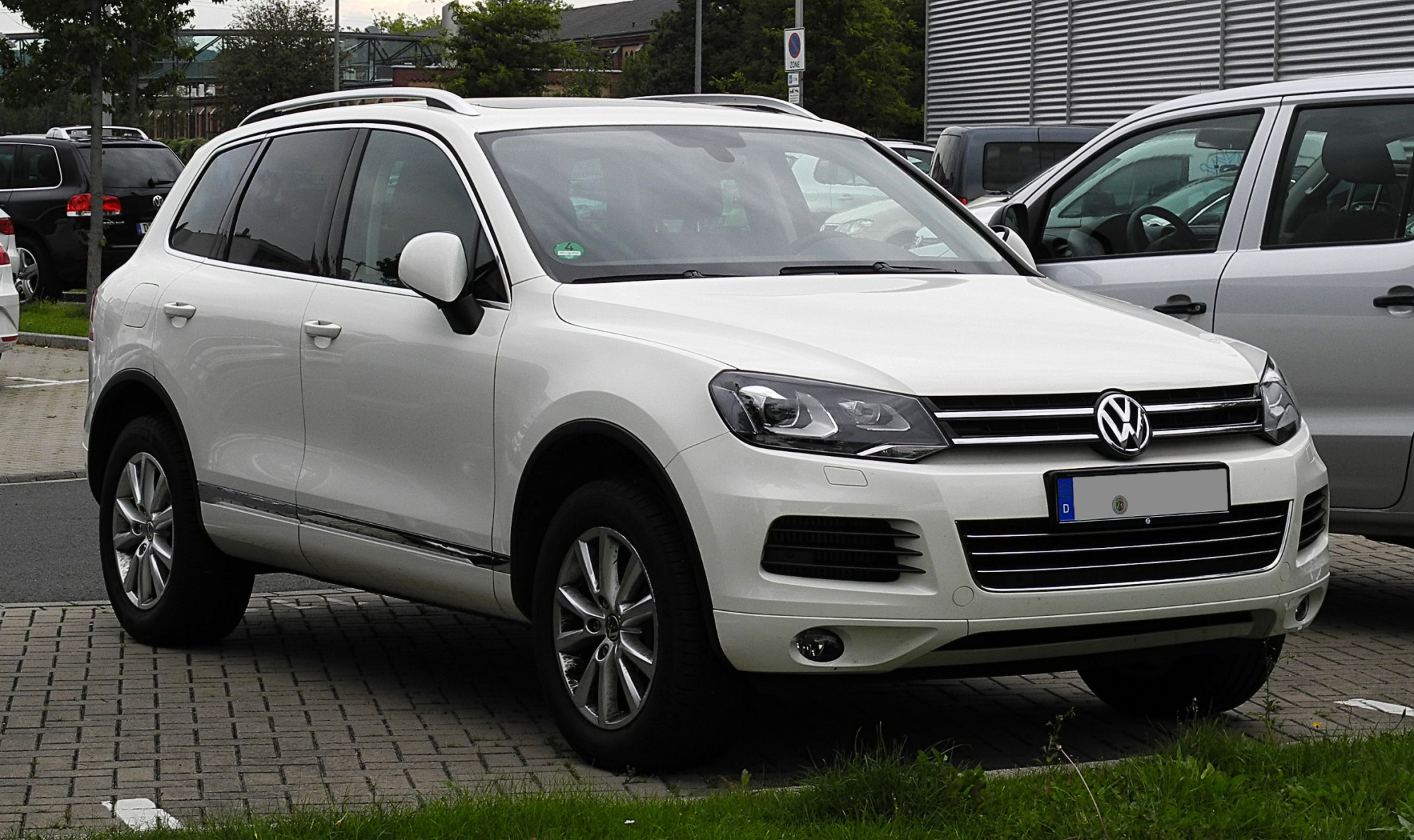 hight resolution of file vw touareg exclusive v6 tdi bluemotion technology ii frontansicht 30