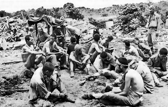 File:A group of japanese prisoners.jpg