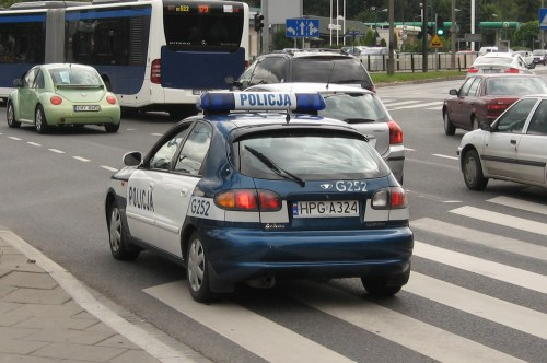 small resolution of file daewoo lanos police squad car of policja on marii konopnickiej avenue in krak w 1 jpg