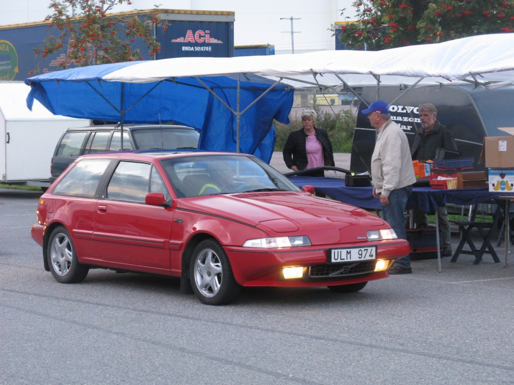 medium resolution of file volvo 480 turbo 15024077372 jpg