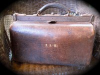 Portmanteau (luggage) - Wikipedia