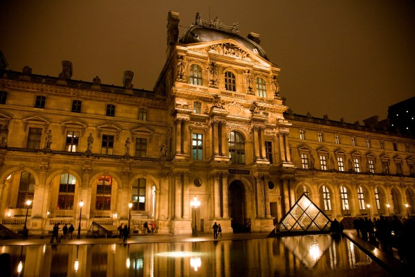 Louvre Museum Copy1 Emaze