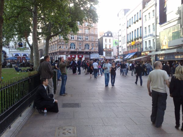 File Leicester Square Paul In - Wikimedia Commons