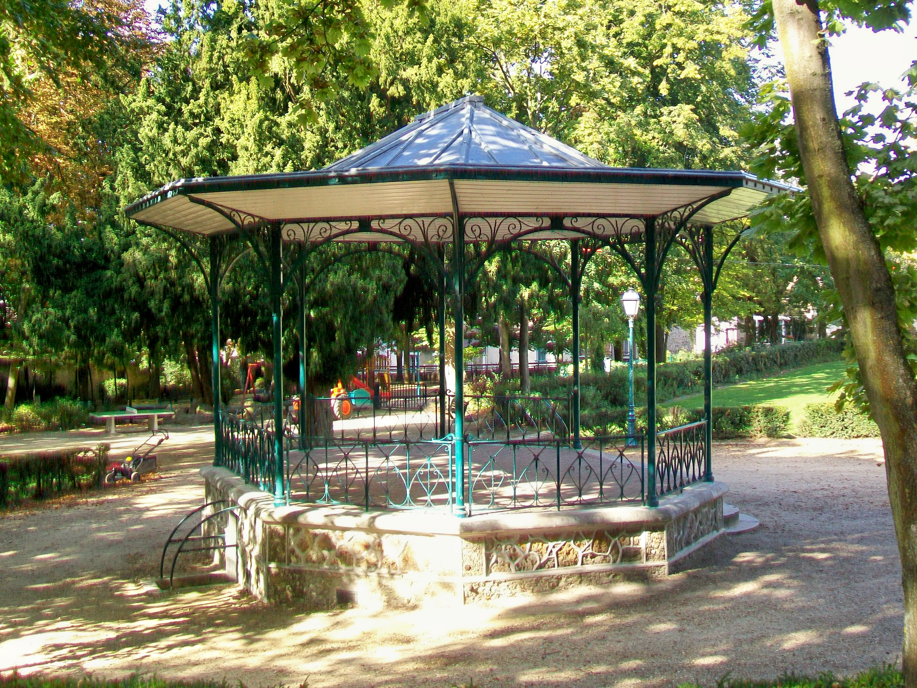 FilePontoise 95 jardin de la ville kiosque  musique de 1887jpg  Wikimedia Commons