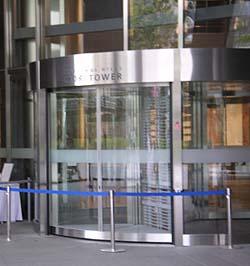 日本語: 2004年4月24日、利用者:Gleamによる撮影。