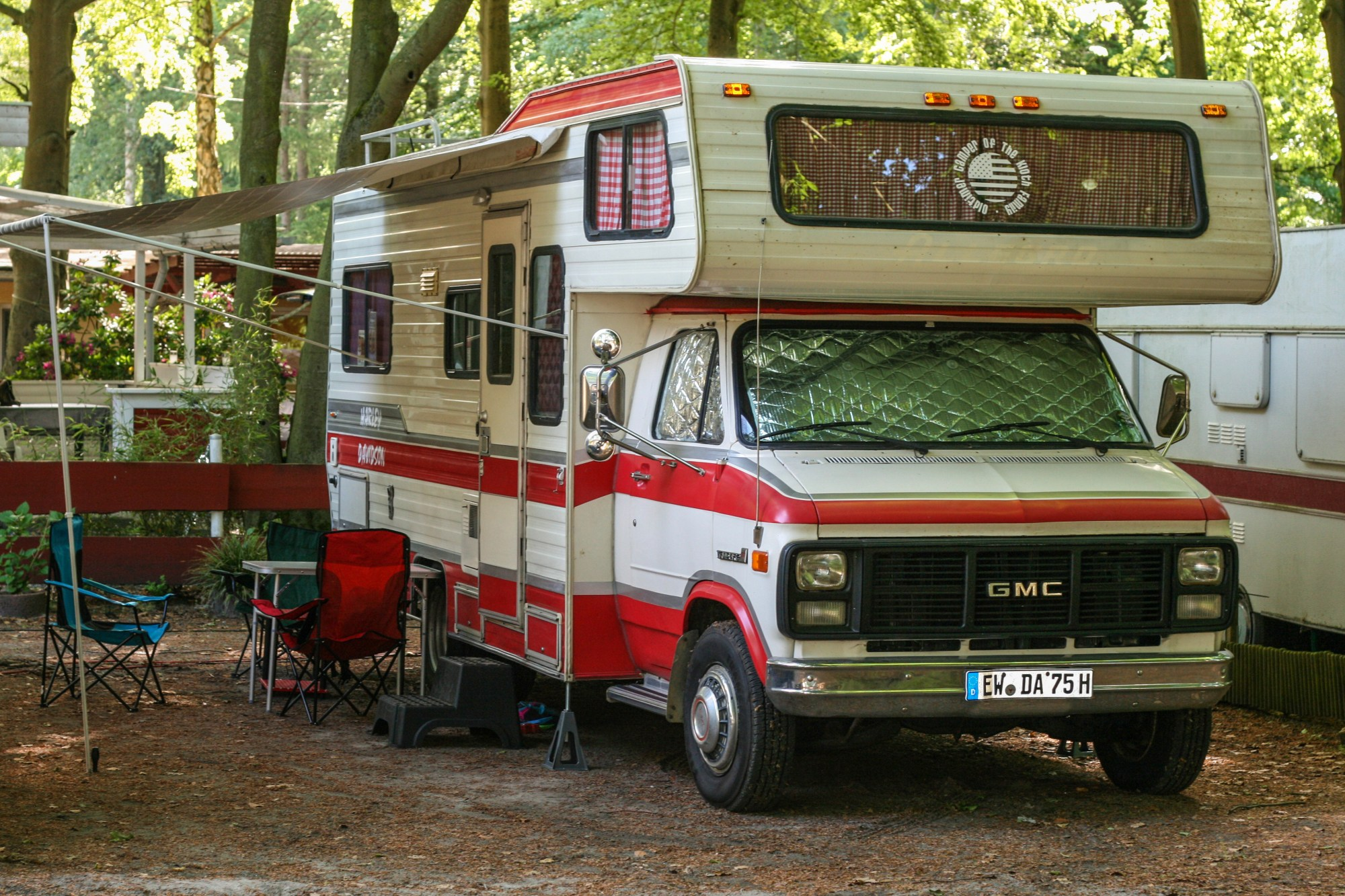 hight resolution of campervan oldtimer with alcove chevrolet