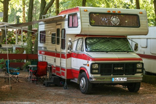 small resolution of campervan oldtimer with alcove chevrolet