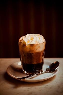 English: Einspaenner Coffee : A viennese speci...