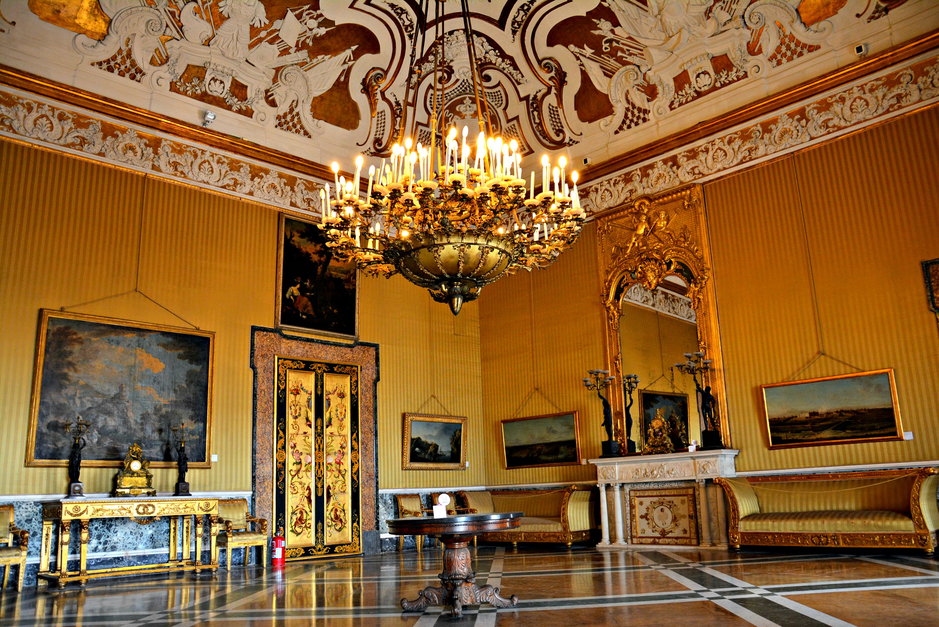 FileSala XV Palazzo Reale di Napoli 001jpg  Wikipedia