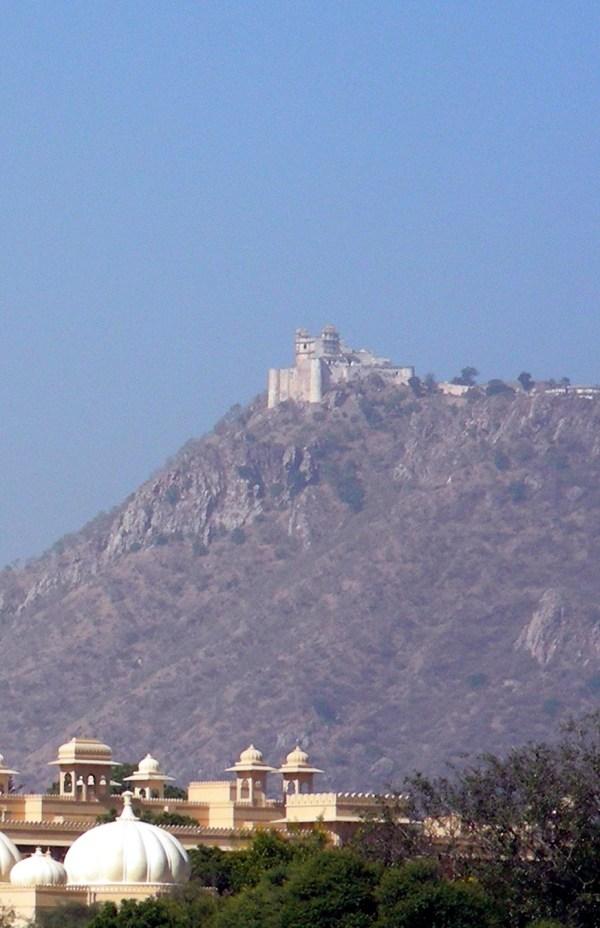 Monsoon Palace - Wikipedia