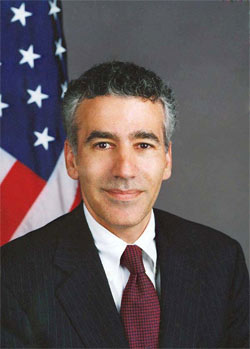 English: This is the official photo of Ambassa...
