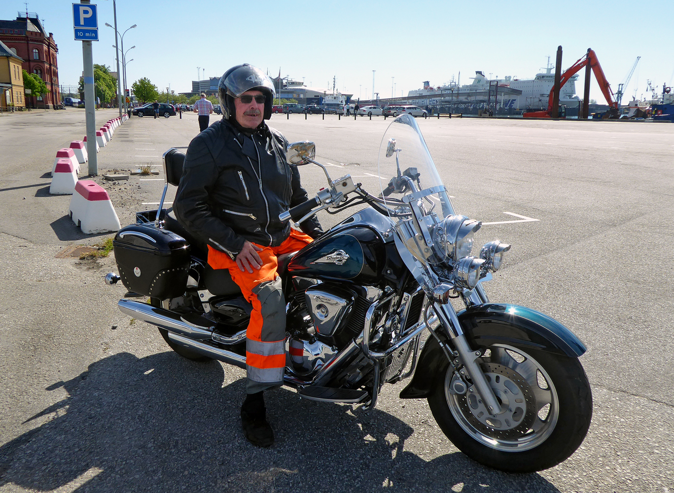hight resolution of a man on his suzuki vl 1500 intruder lc ystad port 2017