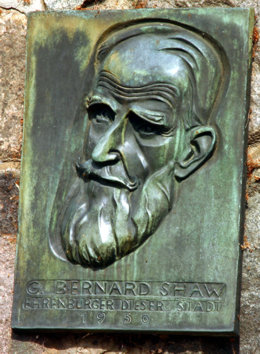 English: Bronze Plaque of George Bernard Shaw,...