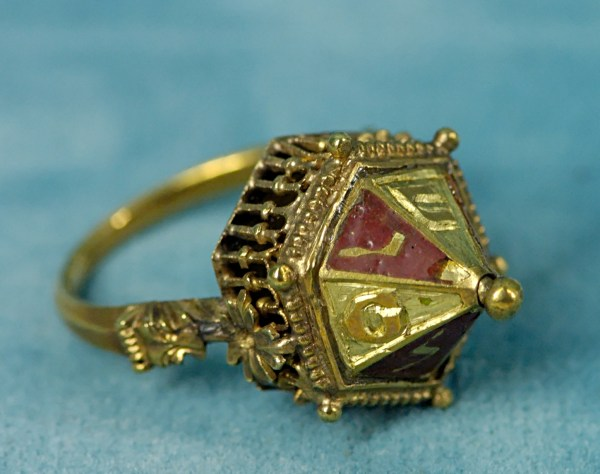 File Jewish Wedding Ring Mnma - Wikimedia Commons
