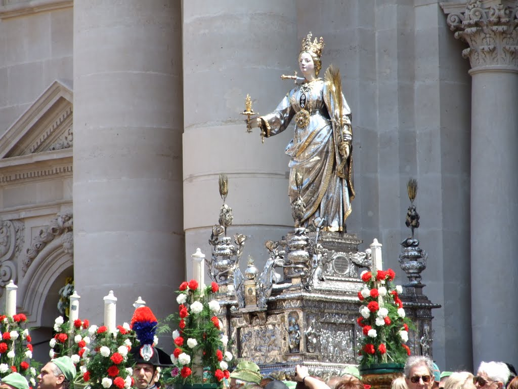 Statua di Santa Lucia - Siracusa.jpg