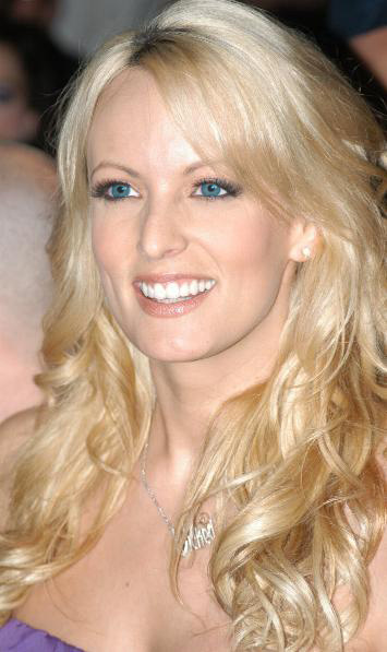 https://i0.wp.com/upload.wikimedia.org/wikipedia/commons/2/24/Stormy_Daniels%2C_2007_1.JPG