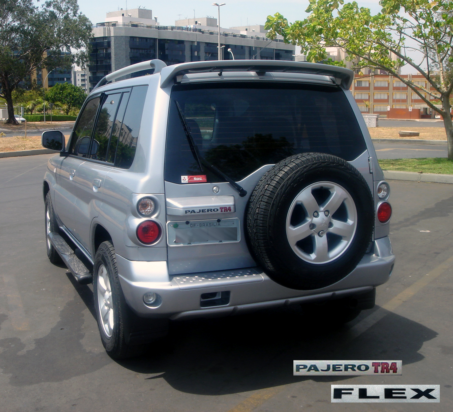 hight resolution of file bsb flex cars 187 09 2008 pajero tr4 with logo blurred jpg