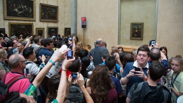 Louvre Mona Lisa People