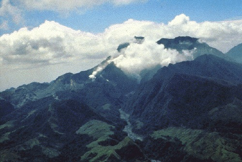 File:Pre-eruption Pinatubo.jpg