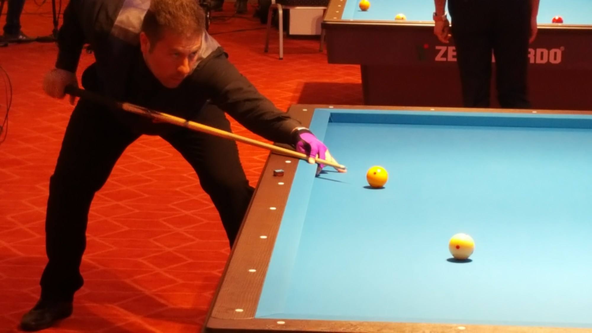 hight resolution of three cushion billiards