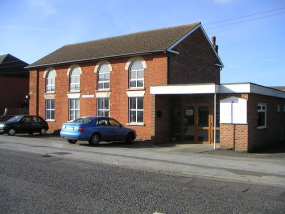 File:Cranfield Methodist Church - geograph.org.uk - 269144.jpg