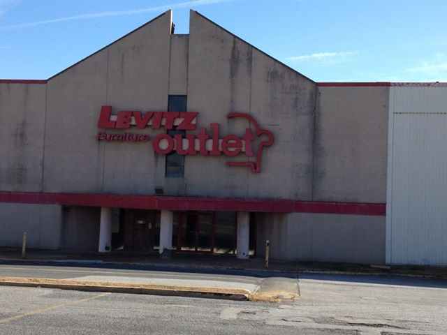 FileClosed Levitz Furniture Store Location From Claymont DEjpg Wikimedia Commons