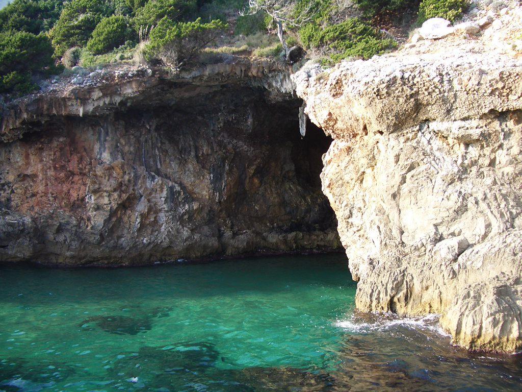 Grotta dellImpiso  Wikipedia