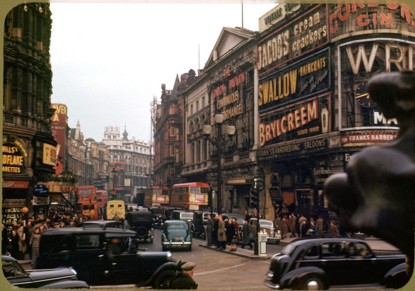 File London Piccadilly Circus Shaftsbury Ave