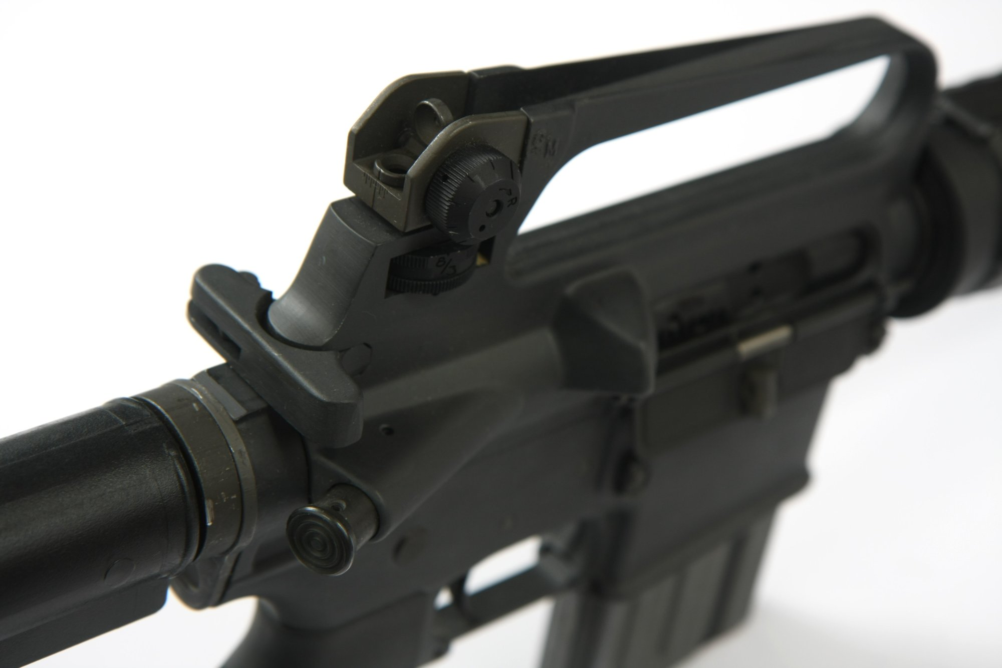 hight resolution of the ar 15a2 most distinctive ergonomic feature is the carrying handle and rear sight assembly on top of the receiver
