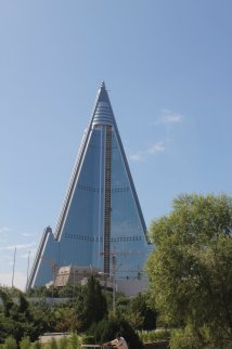 File Ryugyong Hotel 4 Sep - Wikimedia Commons